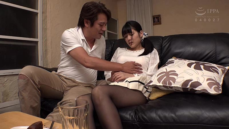 TAAK-027 Nao, Who Recently Moved In Is A Young College Girl Who Keeps